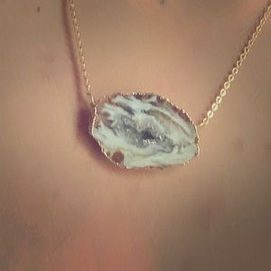 Simple & Pretty Geode Necklace